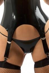 String femme latex