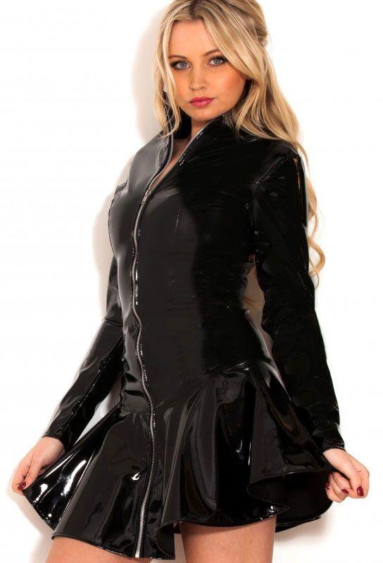 Robe Ample Vinyle Noir Sexy En Tenue Dominatrice