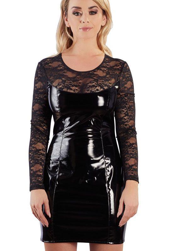 fille sexy en robe vinyle